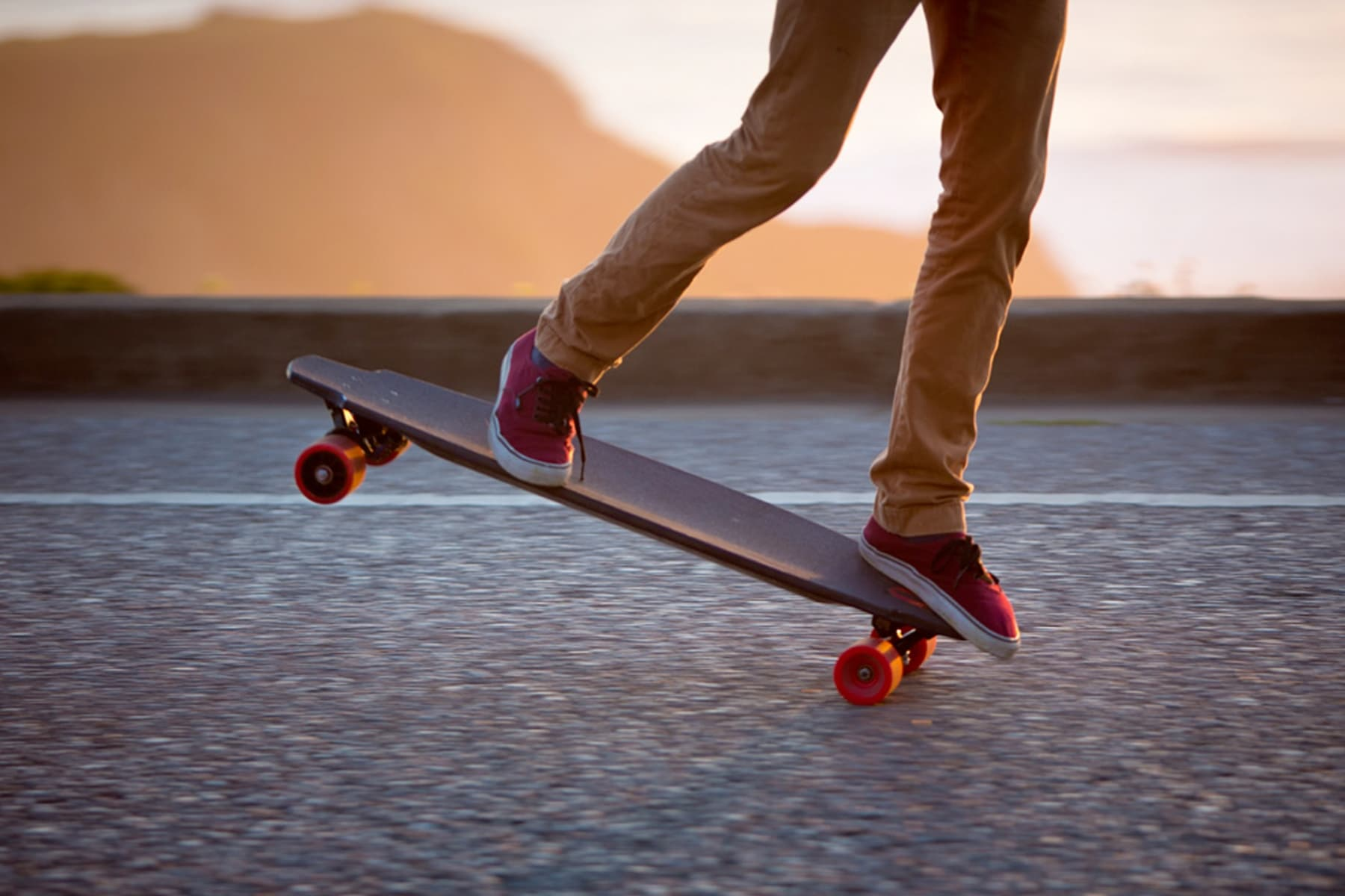10 Most Popular Electric Skateboards for Teens [Buying Guide] 7